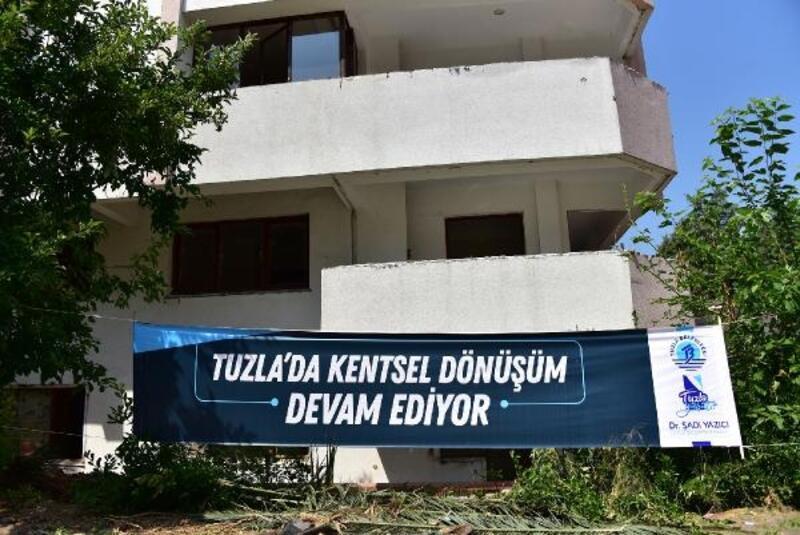 Tuzla'da orta hasarlı 37 bina yıkılıyor
