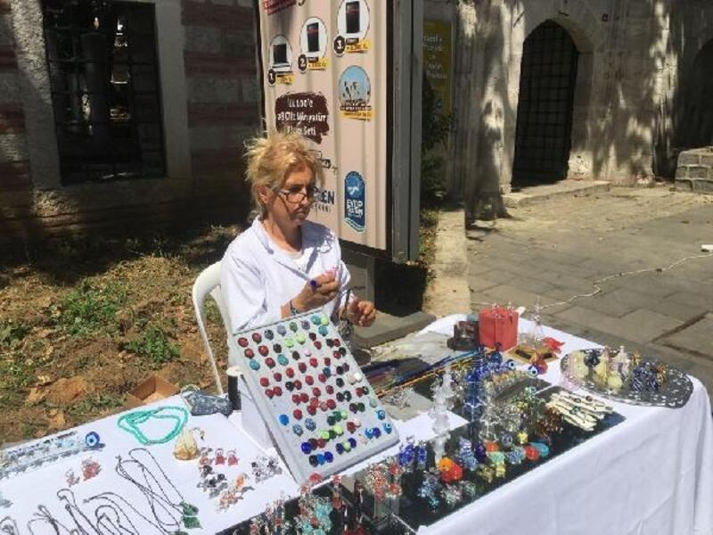 Evine katkı sağlamak isteyen ev hanımları 'El Emeği Ürünleri Festivali'nde toplandı