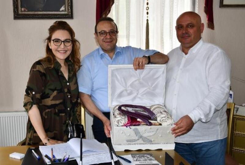 Büyükelçi Egemen Bağış ailesiyle Buldan'ı gezdi