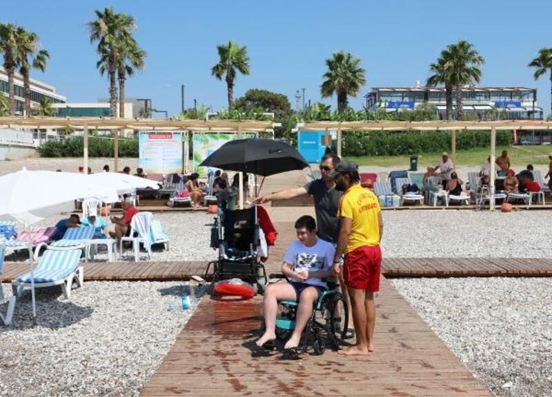 Engelsiz Plaj sezonu açtı