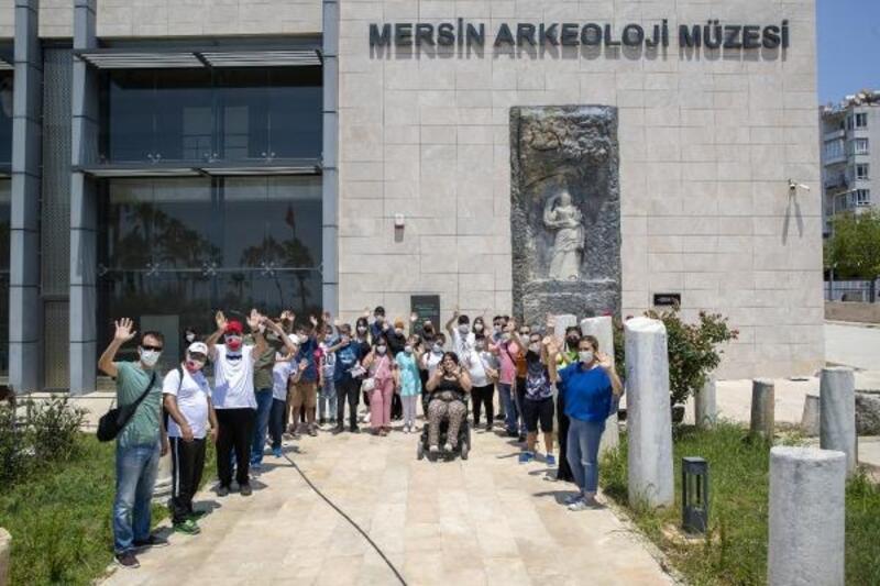 Özel gereksinimli bireyler Arkeoloji Müzesi'ni gezdi