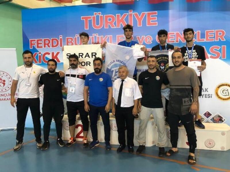 Tuzla Belediyesi sporcuları Türkiye Ferdi Kick Boks Şampiyonası'ndan 14 madalyayla döndü