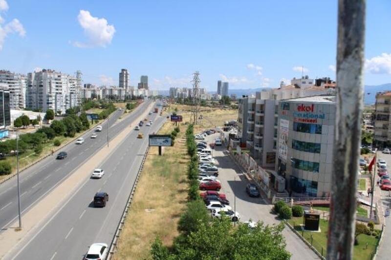 Çiğli'de sökülecek ağaçlar, tramvay gelince tekrar dikilecek