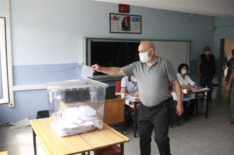 Bulgaristan'daki seçimler için vatandaşlar Bursa'da oy kullandı