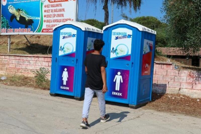 Mersin'de sahil şeridine seyyar tuvalet