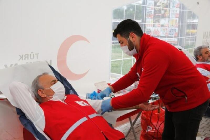 Küçükçekmece Belediye personelinden kan bağışı kampanyasına destek