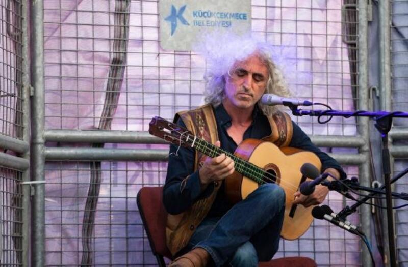 Ahmet Aslan Küçükçekmece'de konser verdi