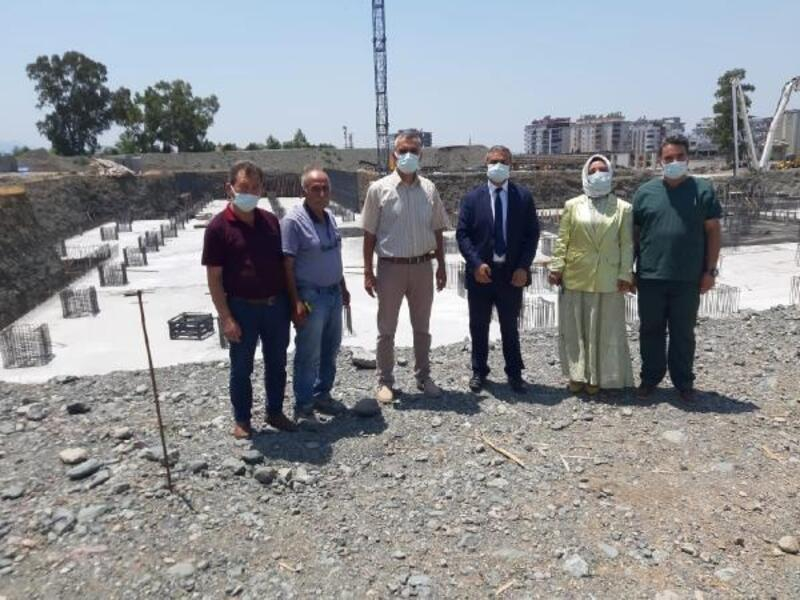 Dr. Öznavruz, Düziçi Devlet Hastanesi inşaatını inceledi