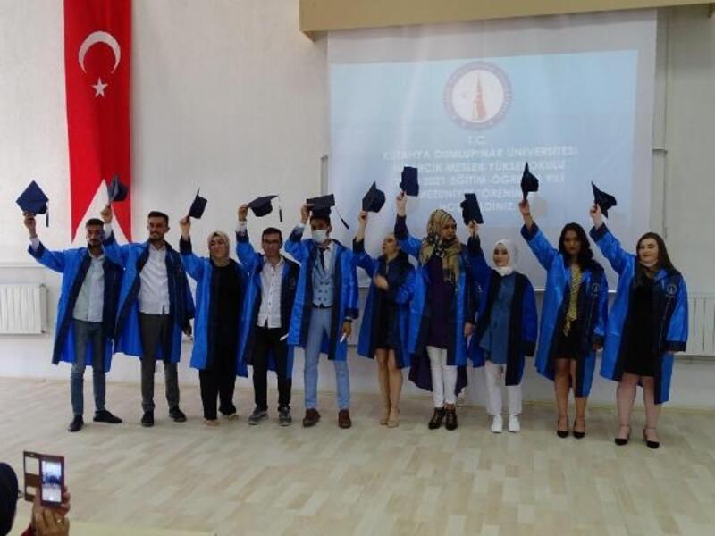 Hisarcık MYO'da mezuniyet sevinci