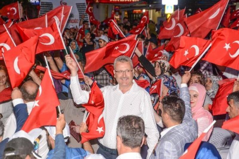 Karacabey Belediye Başkanı Özkan'dan '15 Temmuz' mesajı