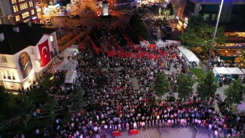 Yalova'da 15 Temmuz'u anma etkinliği düzenledi