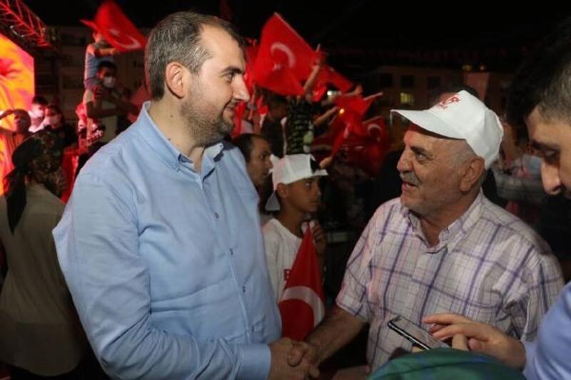 Güngören ilçe sakinleri 15 Temmuz'da sabaha kadar demokrasi nöbeti tuttu