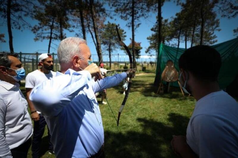 Ümraniye Geleneksel Okçuluk Koşusu bu yıl merhume sporcu Nilüfer Tosun adıyla gerçekleşti