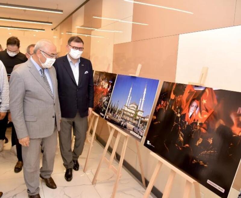 MÜSİAD İzmir'den 15 Temmuz Fotoğraf Sergisi