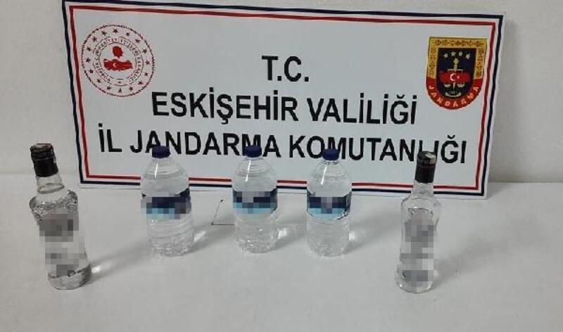 Eskişehir'de 5 litre kaçak içki ele geçirildi