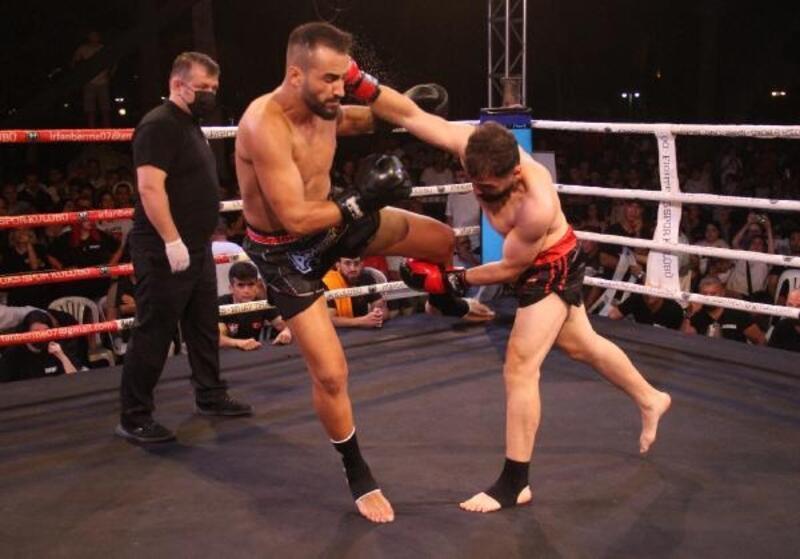 Alanya'da boks ve muay thai gecesi