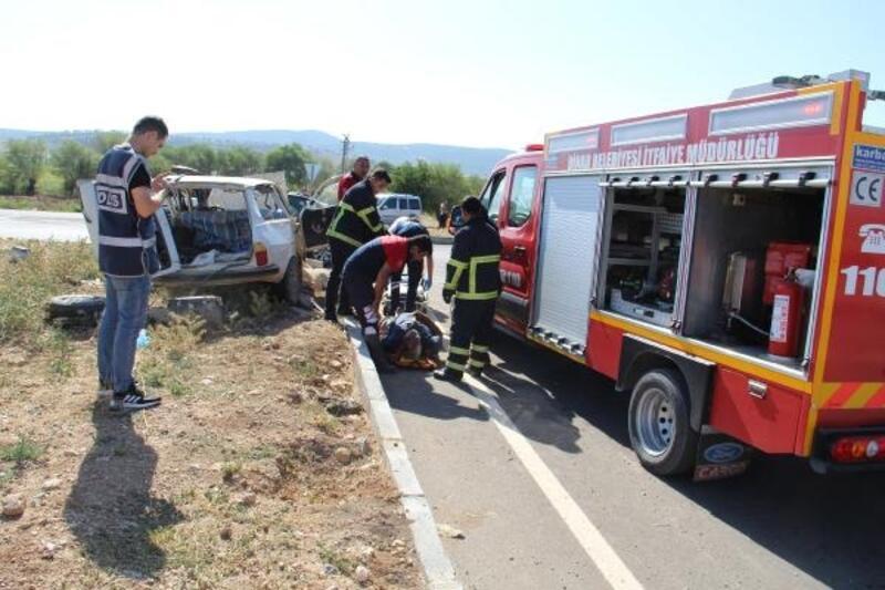 Dinar'da kaza: 4 yaralı