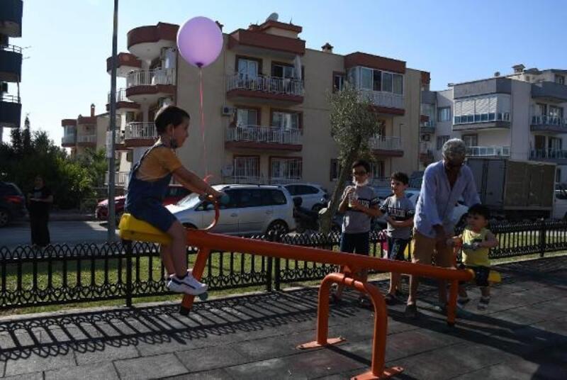 Kuşadası Belediyesi minik Aras'ın ismini parkta yaşatıyor