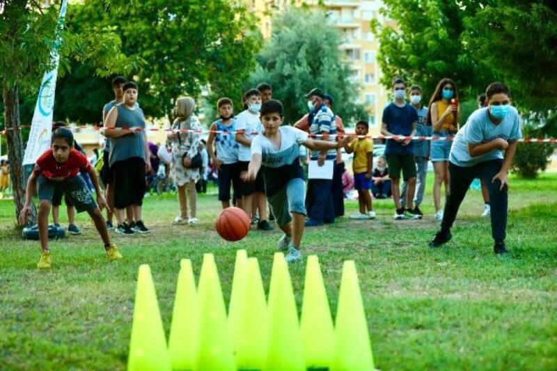 Bayraklılı çocuklar hem eğlendi hem spor yaptı