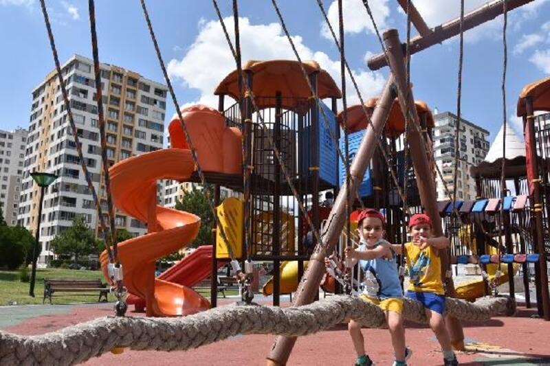 Kocasinan'da parklar son teknoloji ile donatılıyor