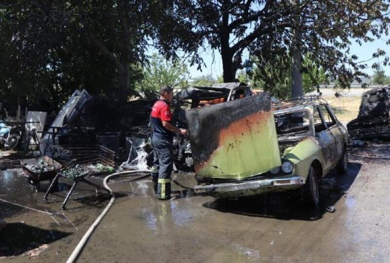 Atıl 3 araç yandı