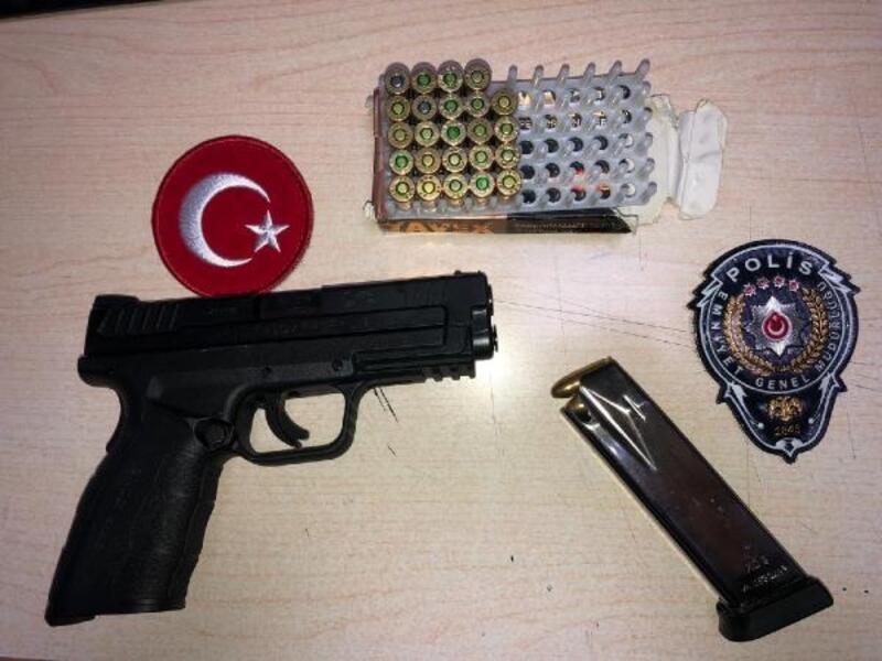 İzmir'de sivil polislerin denetiminde: 3 gözaltı