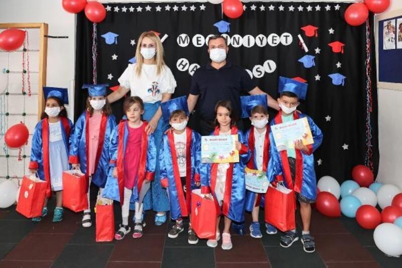 Yüreğir Belediyesi kreşinde mezuniyet sevinci