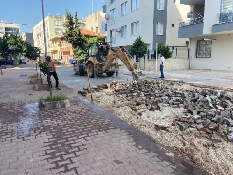 Akdeniz'de her mahalleye hizmet devam ediyor