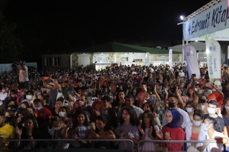 4'üncü Edremit Kitap Fuarı'nı 100 bin kişi ziyaret etti