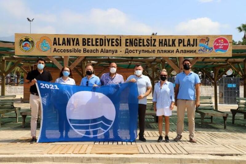 Alanya Belediyesi Engelsiz Halk Plajı'na mavi bayrak ödülü