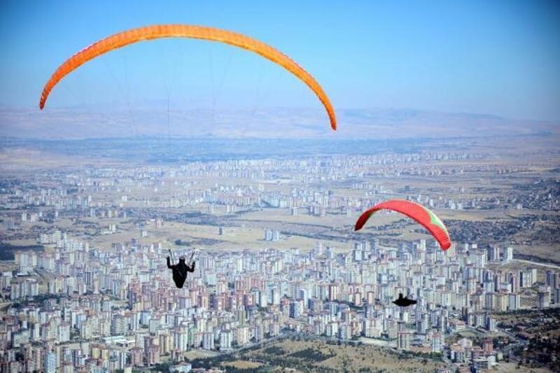 Ali Dağı'nda 12'nci yamaç paraşütü heyecanı başlıyor