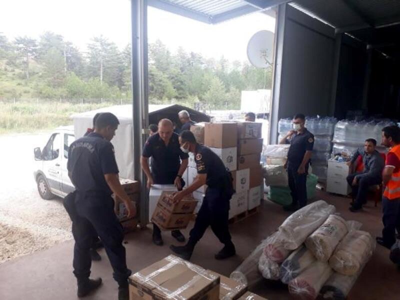 Edirne'de toplanan yardımlar Bozkurt ve Ayancık'a ulaştırıldı