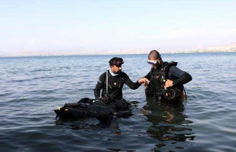 Van Büyükşehir Belediyesi su altı arama kurtarma timi kurdu