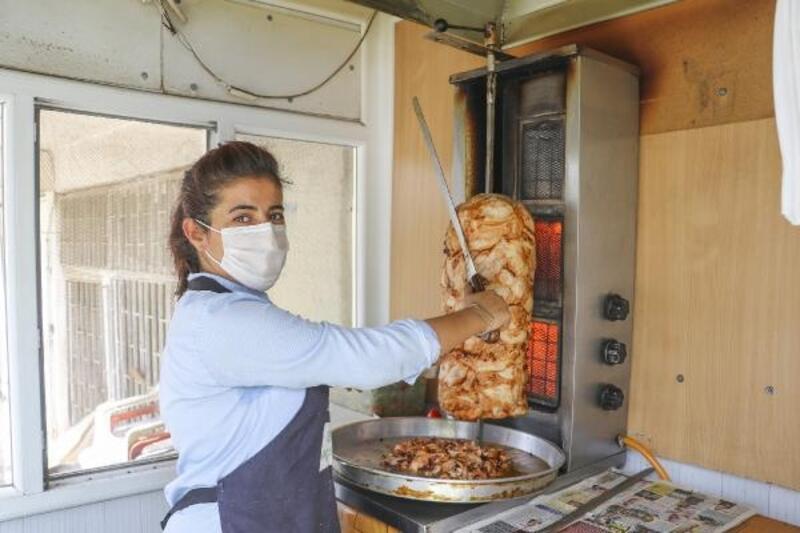 Mardin'in tek kadın döner ustası: Aileme katkı olsun diye tezgah başına geçtim