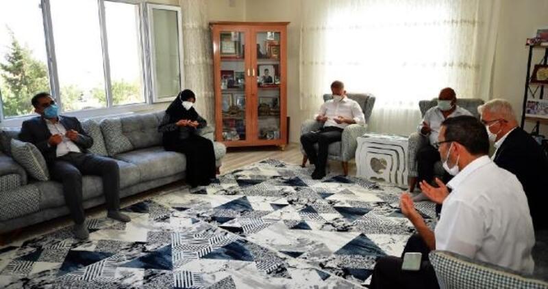 Vali Gül'den, şehit ailesi ve gaziye ziyaret