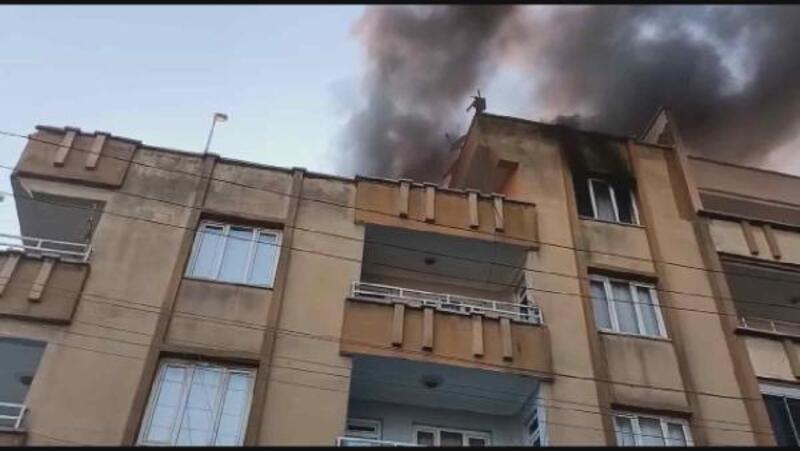 Gaziantep'te, teras katta çıkan yangın korkuttu