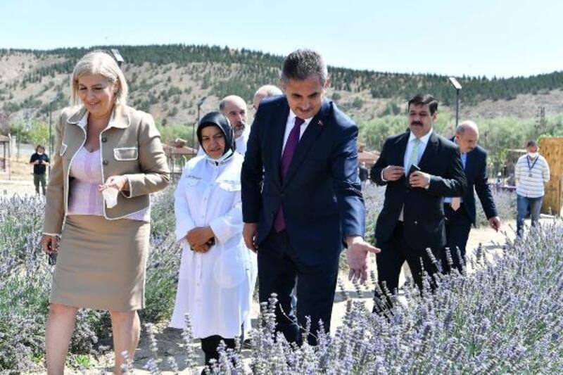 Başkan Köse, basın mensuplarını lavanta bahçesinde ağırladı