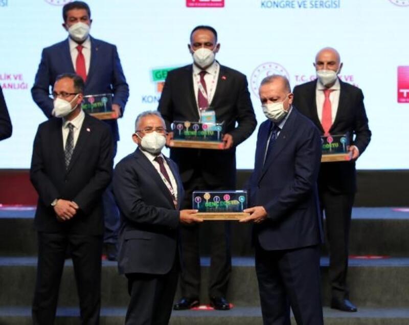 Büyükşehir Belediyesine 'Geleceğin Mucitleri' ödülü