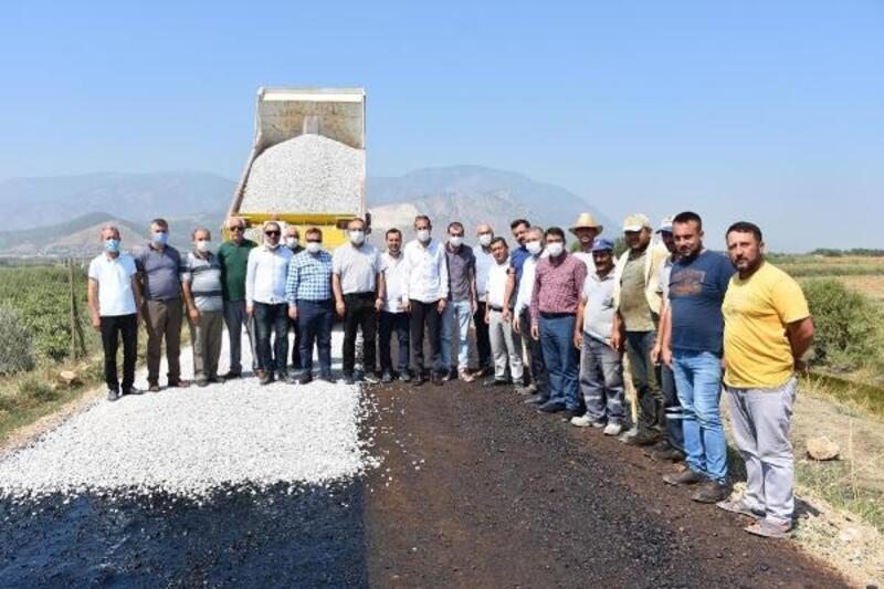 Şehzadeler'de ova yolları asfaltlanıyor