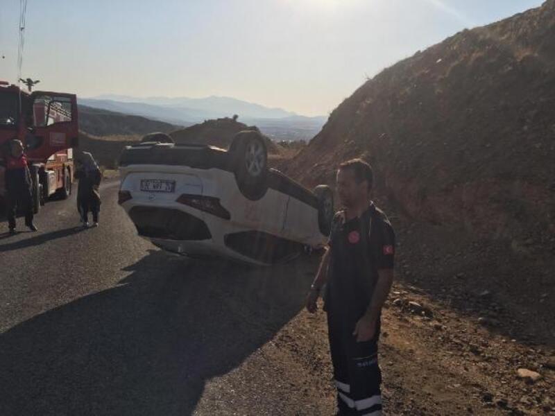 Bingöl'de takla atan otomobilin sürücüsü yaralandı