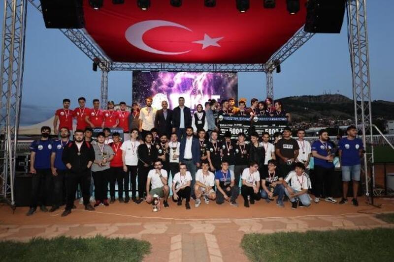 Başkan Eroğlu'ndan Tokat'a e-spor merkezi müjdesi