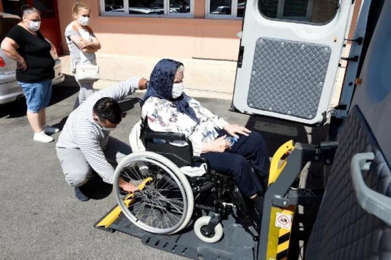 Seyhan'da 'Engelsiz Taksi' hizmette
