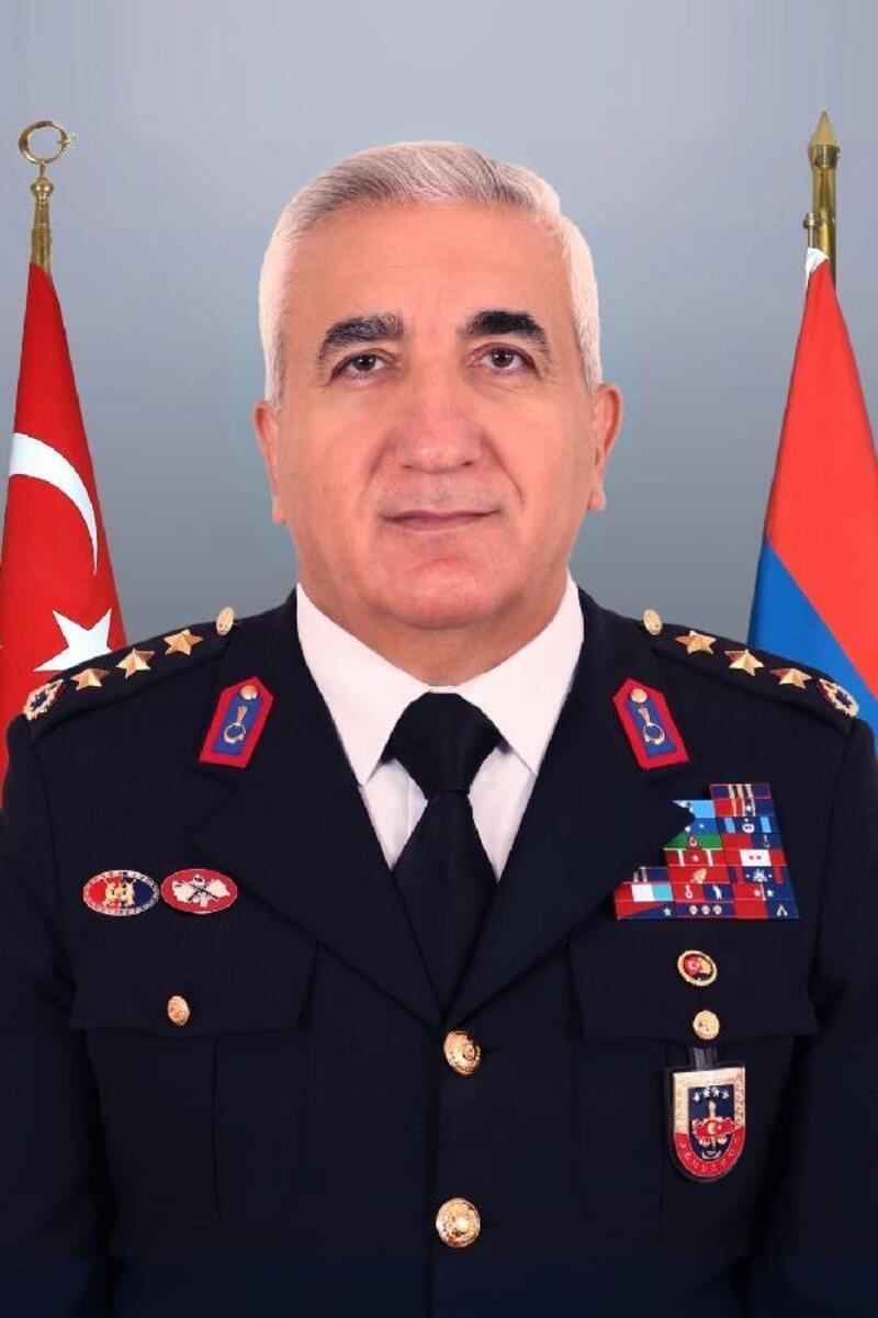 Jandarma Komutanı Albay Sırma'ya yeni görev
