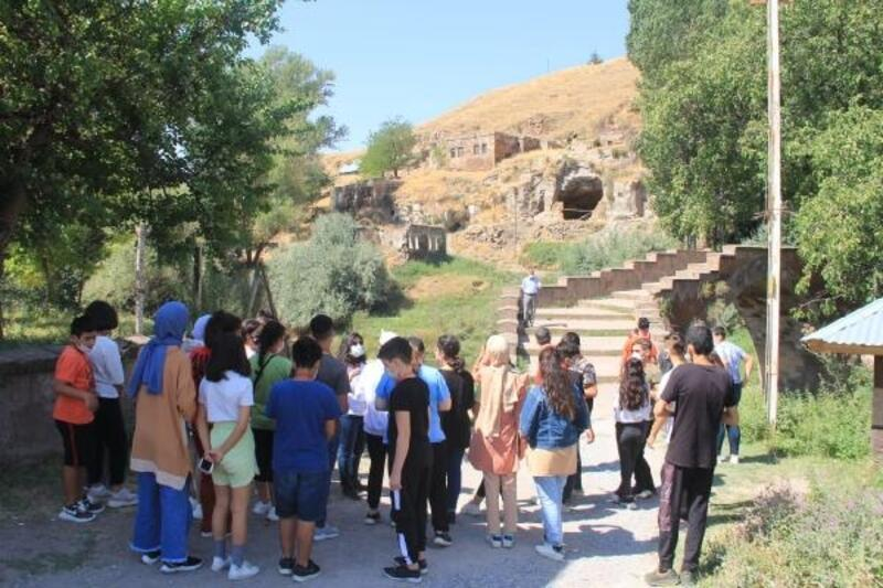 Tarihin izinde projesi kapsamında gençler, Bitlis ve Muş'u gezdi
