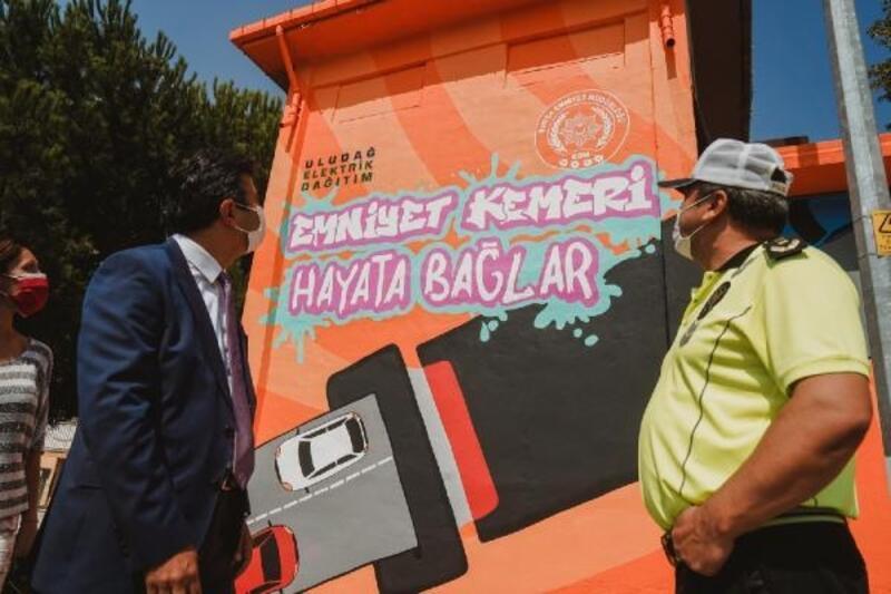 UEDAŞ ile trafik polislerinin ortak projesiyle emniyet kemerini farkındalığı arttırıldı