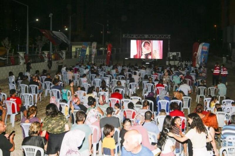 Sokaklar sinema ile şenlendi
