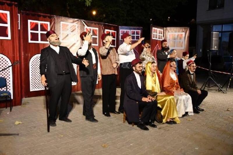 İnegöl Belediyesi tiyatroyu kırsal mahallelere taşıdı