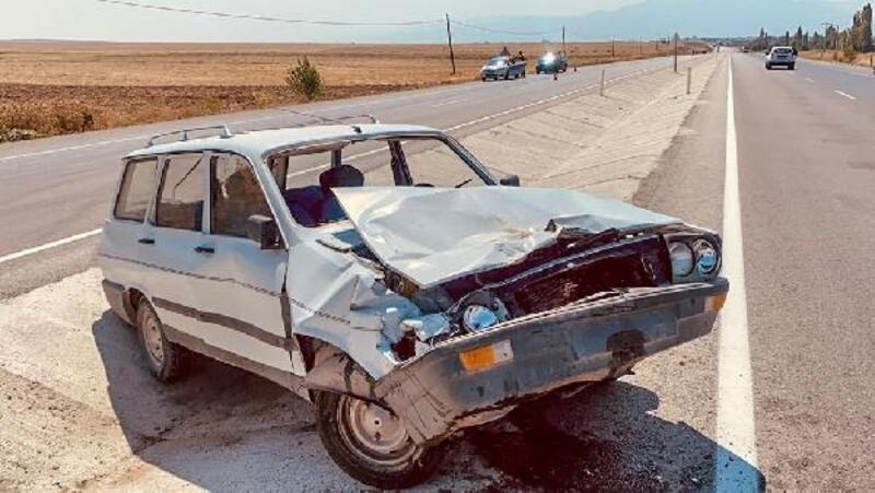 Bolvadin'de kaza: 3 yaralı
