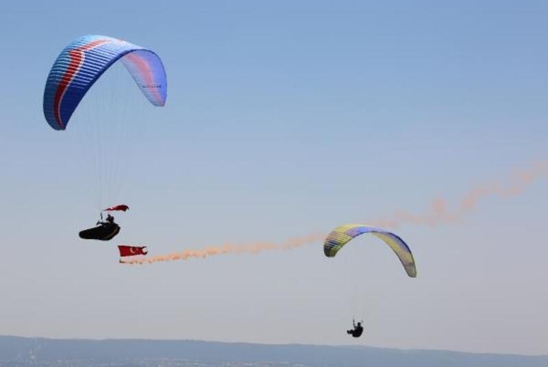 Toros Dağları'nda, 30 Ağustos Zafer Bayramı için uçtular