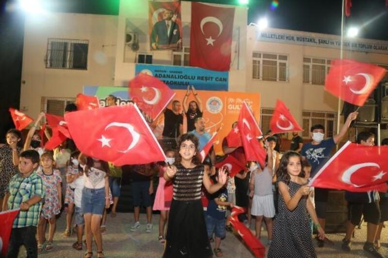 Akdeniz'de 30 Ağustos Zafer Bayramı konserlerle kutlandı